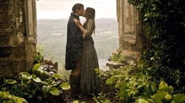 Szenenbild: Goehte und seine Geliebte küssen sich