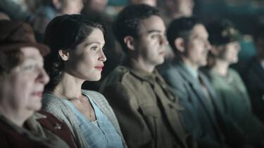 Szenenbild: Zuschauer im Kino im Close-Up