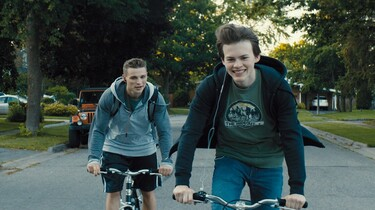 Link zum FilmTipp Giant Little Ones