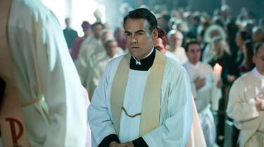 Jakob im Priestergewand bei einer Priesterweihe