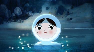 SZenenbild: Saoirses Kopf schaut aus dem Meer hervor.