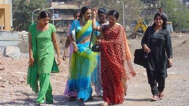 Szenenbild: Eine Gruppe indischer Frauen
