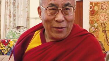 Szenenbild: Der Dalai Lama im Profil