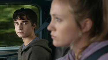 Szenenbild: Mike und Miranda im Auto