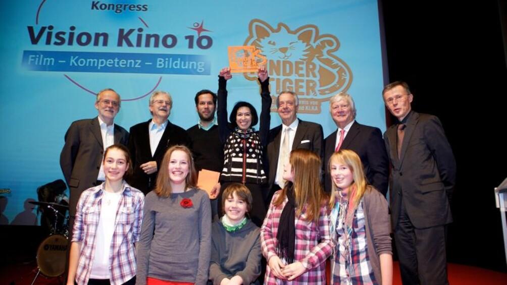 Gruppenbild mit den Gewinnern Bettine und Achim von Borries