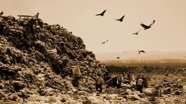 """Müllpflückern"""" des Jardim Gramacho vor den Toren Rio de Janeiros, einer der größten Mülldeponien der Welt"""